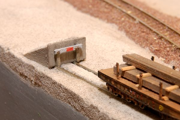 So sieht das Gleis mit Abschluss gut aus.