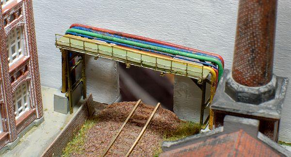 Die Brücke ist montiert.