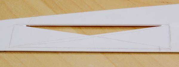 Ein aus den Diagonalen gebildetes Dreieck ist ausgebrochen.