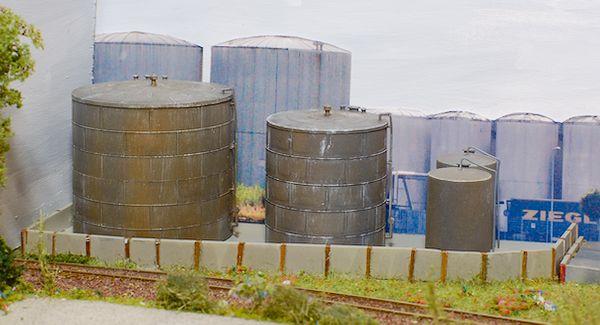 Die zweite Ölschutzmauer und Endmontage
