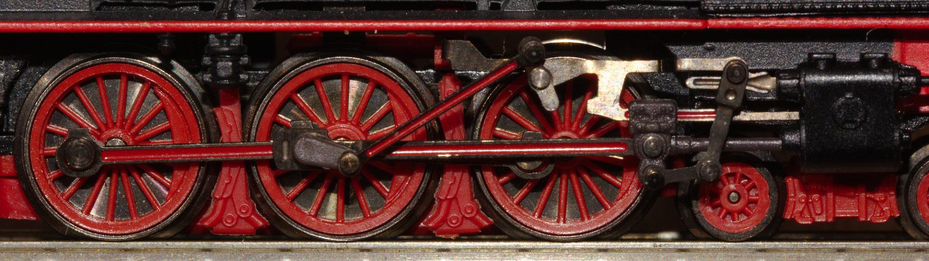 Einbau der Achsen bei Stangenlokomotiven von Märklin
