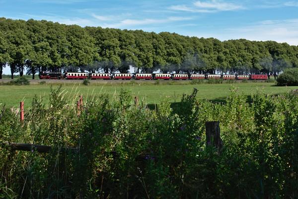 Der lange Zug ist in der Saison gut ausgelastet.
